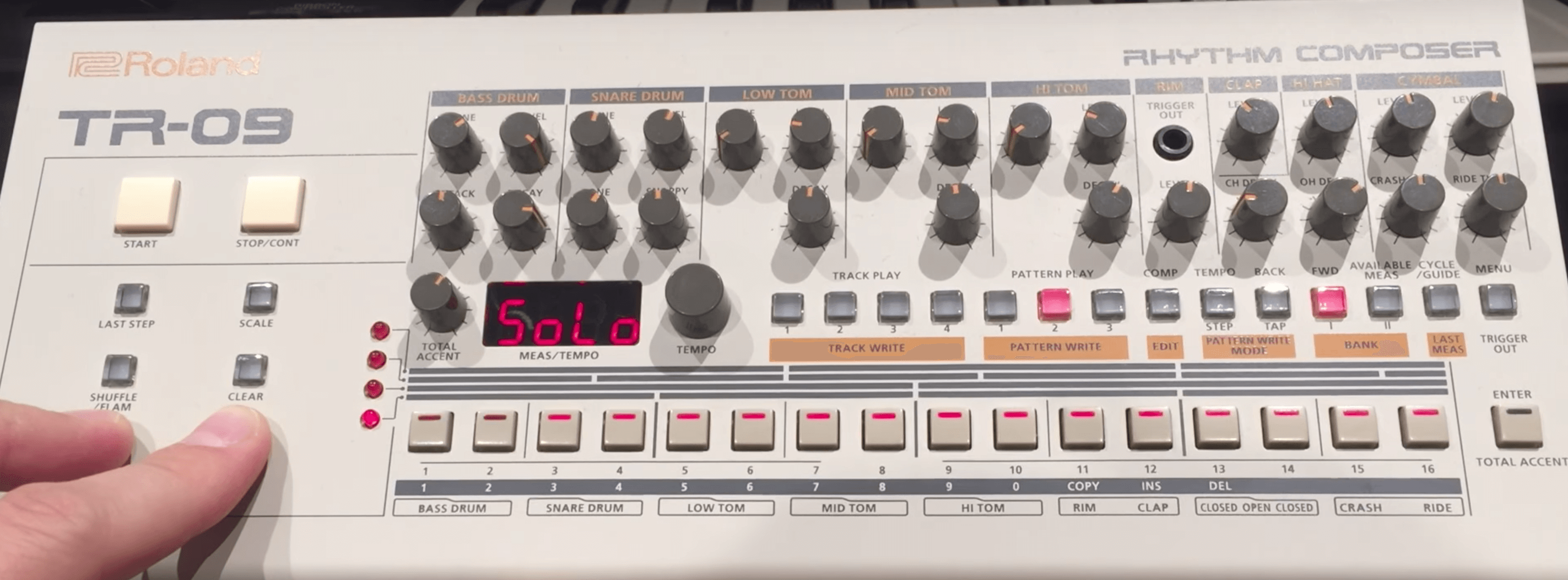 Get the most out of the Roland TR-09 with these hidden features