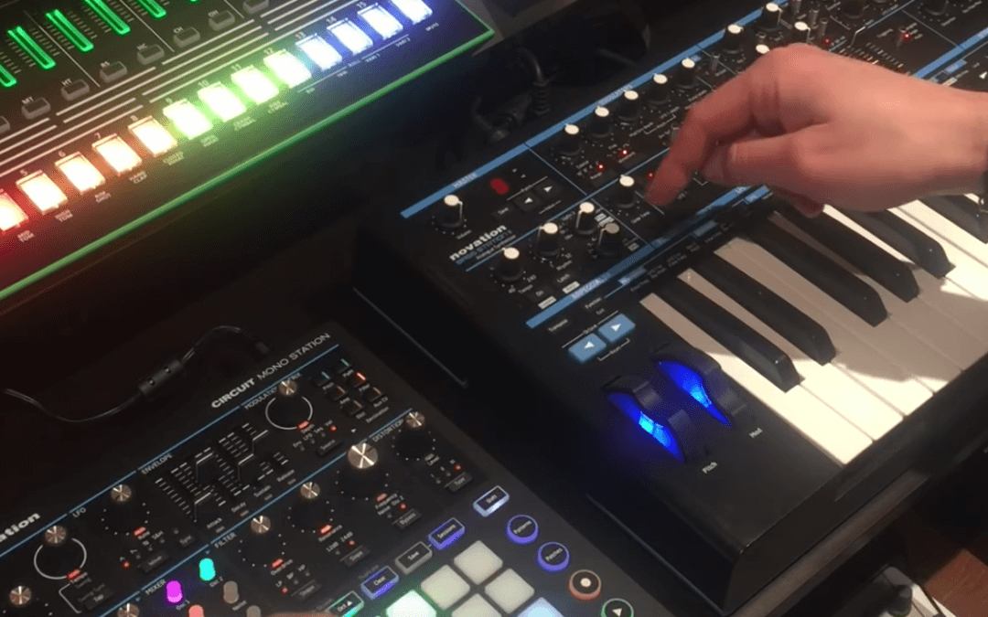 Novation Circuit MonoStation Versus BassStation II