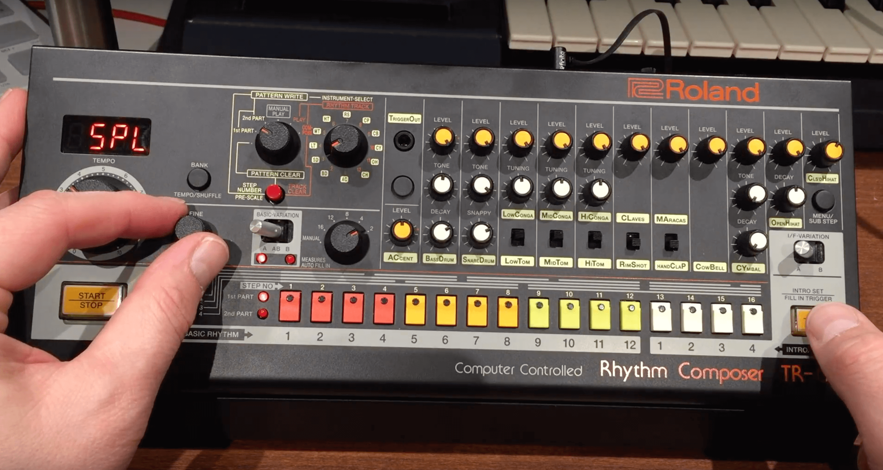 Roland TR-08 review, hidden features and missing manual
